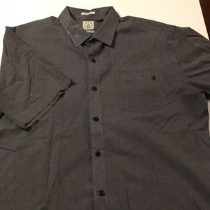 Volcom Classic Fit Gray Short Sleeve Button-Up XL